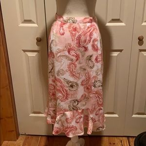 EUC Pink/Tan/Cream Paisley Skirt w/Cute Hem Detail